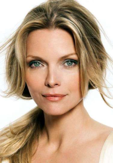 michelle-pfeiffer-recording-artists-and-groups-photo-u14